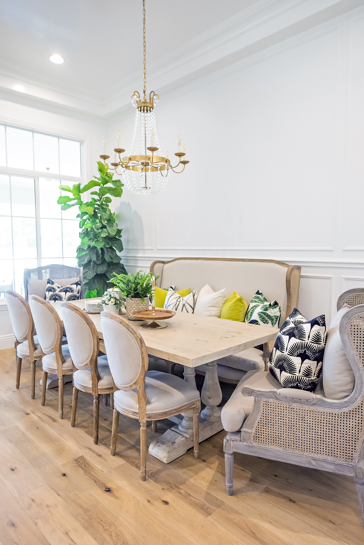 maggie-holmes-dining-room-makeover-with-color-11
